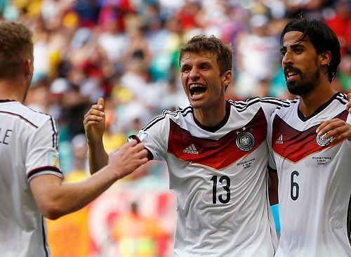 ドイツ、ポルトガルを完全粉砕!ミュラーのハットトリックで4-0大勝!ペペが頭突きで一発レッド退場に(関連まとめ)