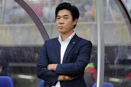 ユンジョンファンC大阪監督.jpg
