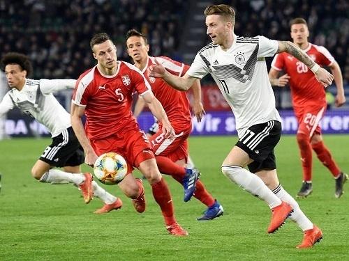 ロイスドイツ代表セルビア戦.jpg