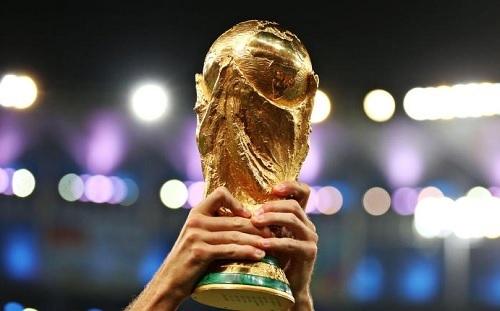 ワールドカップトロフィー.jpg
