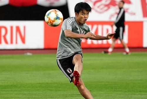 久保日本代表FK練習.jpg