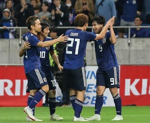 南野2018ウルグアイ戦ゴール.jpg
