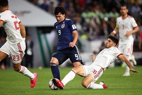 南野2019アジア杯イラン戦ドリブル02.jpg
