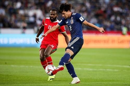南野2019アジア杯オマーン戦シュート.jpg