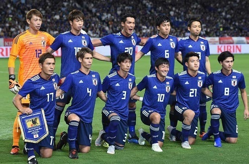 日本代表コスタリカ戦前集合写真.jpg