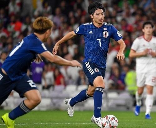柴崎2019アジア杯イラン戦ドリブル.jpg