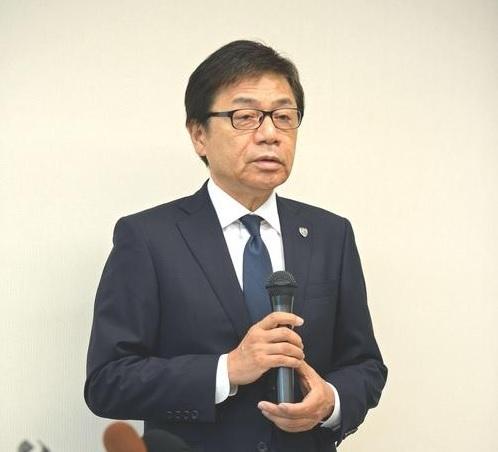 清水の左伴社長.jpg