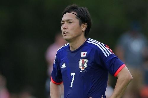 遠藤保仁日本代表2014.jpg