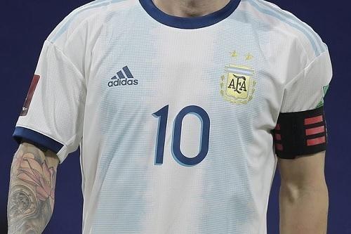 アルゼンチン2019ユニ.jpg