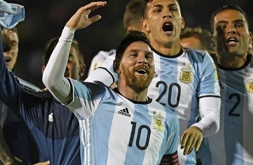 アルゼンチン代表2017南米予選通過.jpg