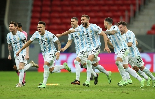 アルゼンチン代表2021南米選手権準決勝勝利.jpg