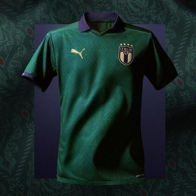 イタリア代表緑ユニ.jpg
