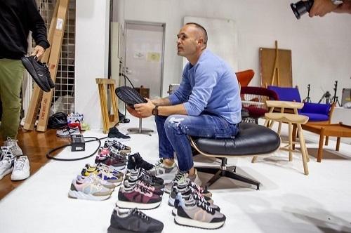 イニエスタ靴販売.jpg