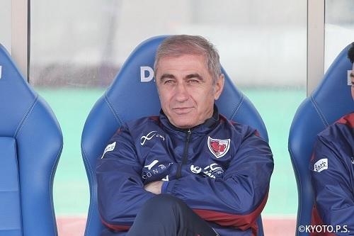ジュブロフスキコーチ.jpg