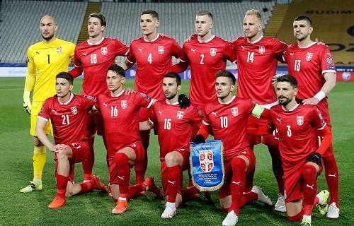 セルビア代表無観客.jpg