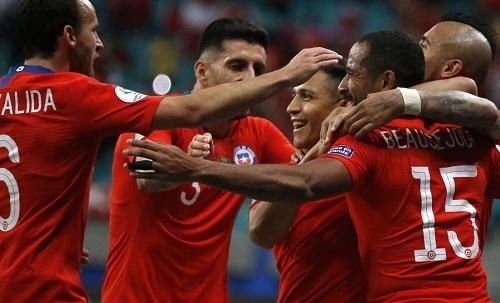 チリ2019南米選手権コロンビア戦勝利.jpg
