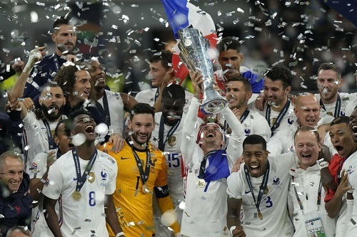 フランス代表UEFA-NL2021優勝.jpg