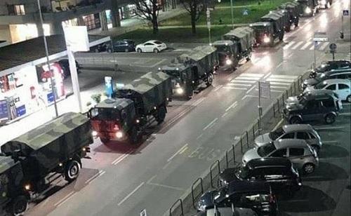 ベルガモ軍トラック.jpg