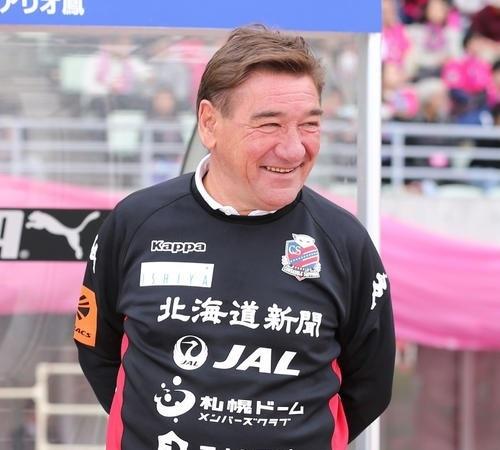 ペトロビッチ監督札幌.jpg