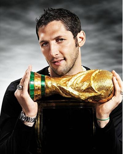 マテラッツィフリースタイルフットボール広告写真01.jpg
