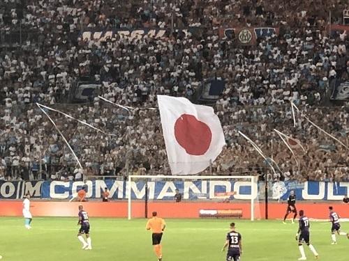 マルセイユ2018開幕戦日の丸.jpg