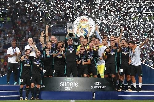 レアル2017スーパーカップ優勝.jpg