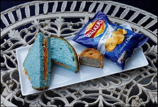 レスター青色サンドイッチ.jpg