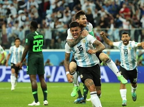 ロホW杯ナイジェリア戦ゴール.jpg