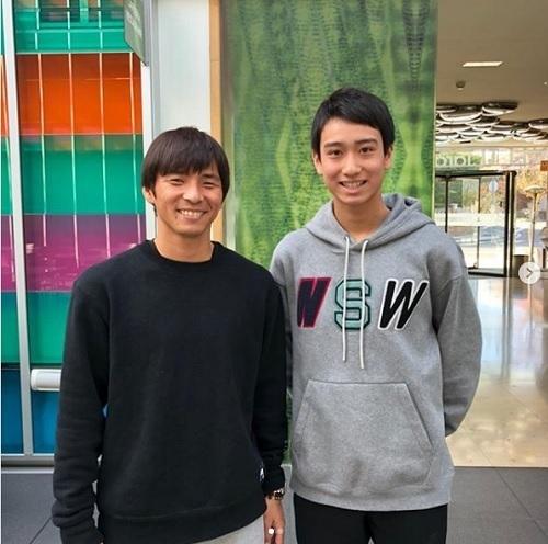 中井と乾リーガ100試合目.jpg
