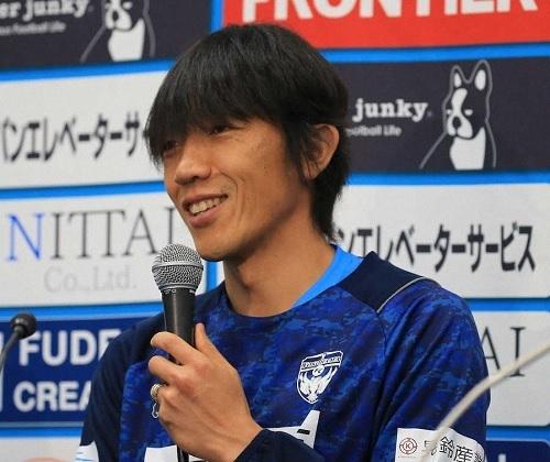 中村俊輔2020横浜FC記者会見.jpg