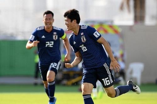 冨安2019アジア杯サウジ戦ゴール02.jpg