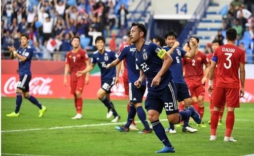 吉田2019アジア杯ベトナム戦.jpg