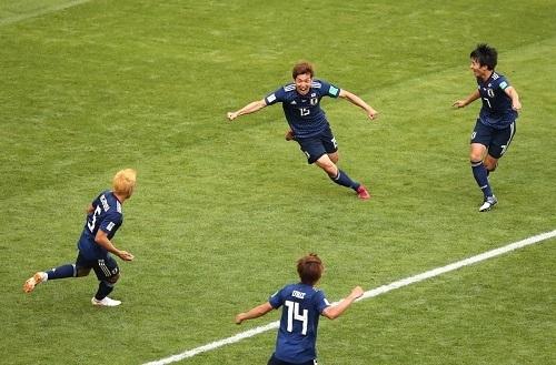 大迫コロンビア戦ゴール後.jpg