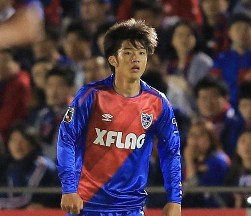 岡崎慎FC東京.jpg