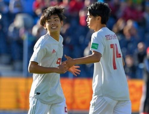 斉藤と西川交代2019U20W杯.jpg