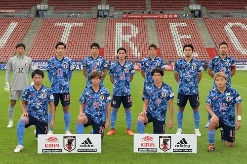 日本代表2020カメルーン戦試合前.jpg