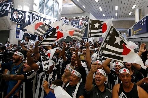 本田ブラジル空港到着03.jpg