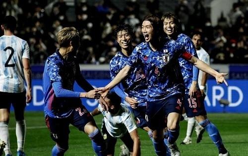 板倉20-21アルゼンチン戦第2戦ゴール.jpg