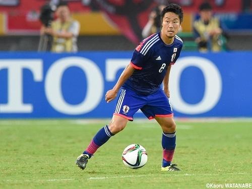 藤田2015東アジア杯韓国戦ドリブル.jpg