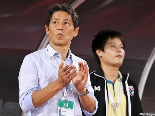 西野監督2019UAE戦タイ代表.jpg