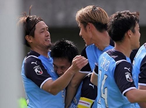 遠藤保仁2021第14節goal.jpg