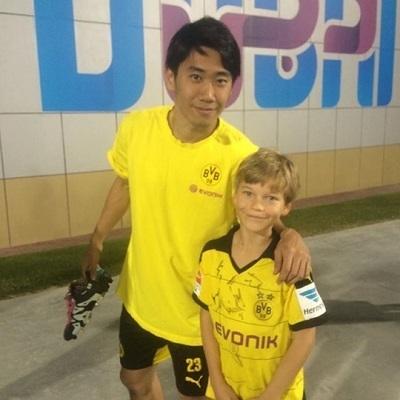 香川とドイツ人少年.jpg