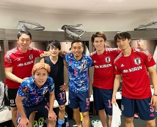 FC東京メンバーキルギス戦後.jpg
